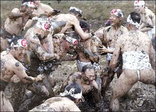 mud_wrestle