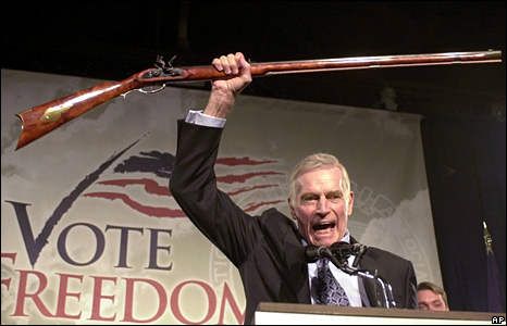 charlton_heston_nra