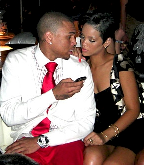chris-brown_rihanna-kiss